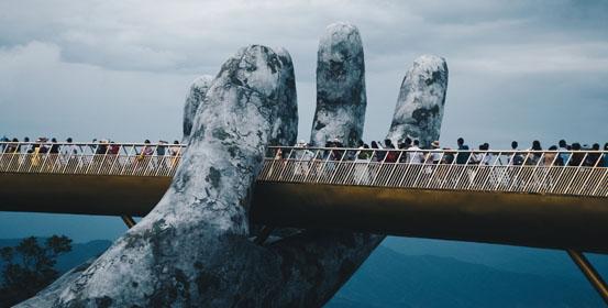 destinazioni alternative in vietnam golden bridge